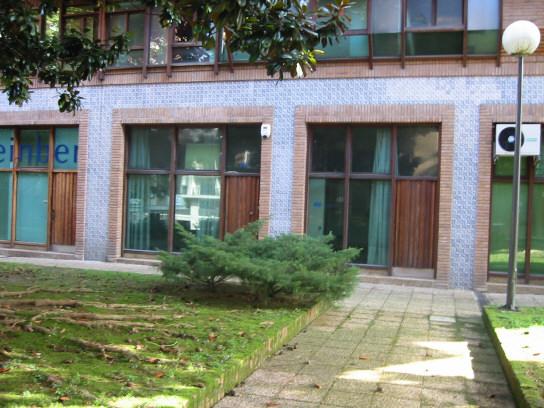 Oficinas y locales irun inmobiliaria servos for Alquiler garaje irun